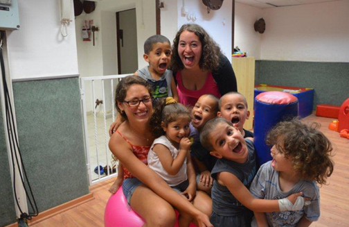 Mechina participants volunteering with Arab-Israeli children